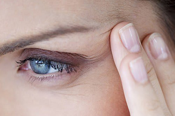 مناسب ترین کرم دور چشم ضد چروک