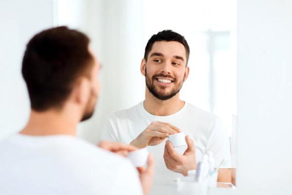 کرم ضد آفتاب برای آقایان