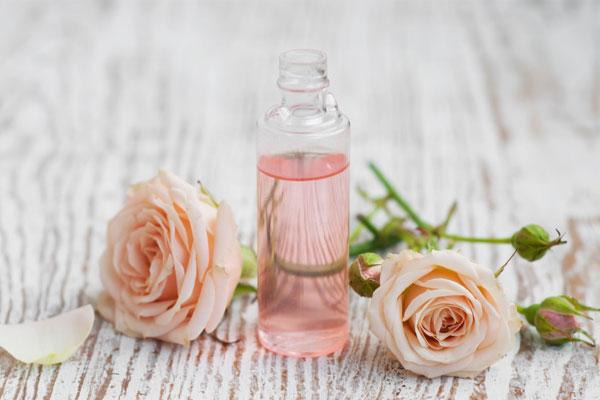 لوسیون پاک کننده سینره، محصولی از دل طبیعت حاوی عصاره گل رز