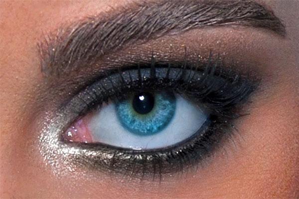 استفاده از لوازم آرایش ضد آب، بهترین راه برای آرایش چشم