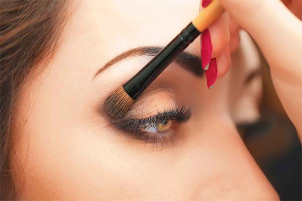 یهترین آرایش چشم برای پوست گندمی