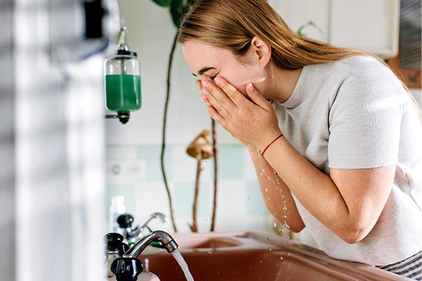 بهترین ژل شستشوی صورت برای روشن شدن پوست